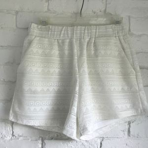 2 For $10 SALE 🎉 White Eyelet Lined Shorts